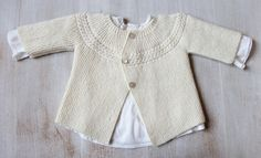 Der Neuen Ravelry: 29 / Princess Charlotte Baby Jacket pattern by Florence Merlin Love Knitting, Baby Cardigan Knitting Pattern, Knitting For Kids, Baby Knitting Patterns, Baby Patterns, Knitting Needles, Charlotte Baby, Cardigan Bebe, Baby Pullover