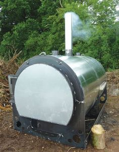 Cool looking retort out of the UK. Vine bales could work in this! Making Charcoal, Best Charcoal, Hydraulic Chainsaw, Carbon Sequestration, Wood Kiln, Soil Improvement, Agriculture, Farming, Permaculture