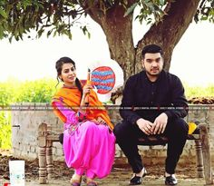 Pin @zaildarni Punjabi Couple, Punjabi Bride, Desi Wedding, Wedding Pics, Love Couple, Couple Shoot, Kurta Pajama Punjabi, First Time Pregnancy, Suit Accessories