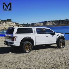 @leer_truck_caps_tonneaus asked to debut the new 100XQ on our MAD Ford Raptor Build 002 at #semashow2017 #fordsema #madraptors followed up…