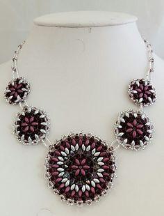 Superduo bead circle motif necklace