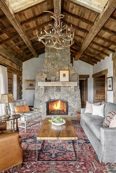 Cottage Living Rooms, Living Room Decor Cozy, Cottage Interiors, Living Room With Fireplace, Rustic Living Rooms, Cottage Fireplace, Cozy Fireplace, Rustic Cottage, Rustic Farmhouse