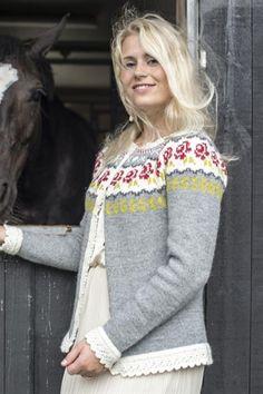 Ravelry: 3006 Molly pattern by Du Store Alpakka Fair Isle Knitting Patterns, Sweater Knitting Patterns, Knitting Designs, Knitting Yarn, Knitting Projects, Hand Knitting, Cardigan Design, Icelandic Sweaters, Cardigan Sweaters For Women