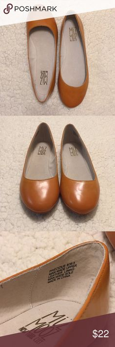 "Miz Mooz Precious Ballet Style Flats 8/38.5 Man made sole and upper leather lining. Gentle wear (see pics) Beautifully simple ♥️  Size 8 or 38.5 Length 10"" Miz Mooz Shoes Flats & Loafers"