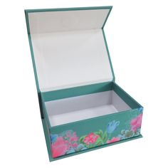 Rigid box with Magnetic close