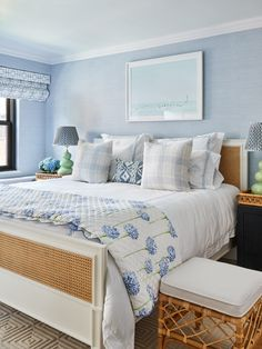 traditional bedroom design ideas // blue bedroom design Bedroom ideas Ariel Okin's NYC Apartment Is Filled With Rental Tricks Mismatched Furniture, Serene Bedroom, Traditional Bedroom Decor, Apartment Design, Serenity, Nyc, Interior Design, Home Decor, Design Ideas