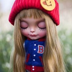 Time to dream  #erregiro #erregirodolls #bigeyes #blythe #doll #boneca #muñeca #custom #blythedoll #carving #poupée #makeup #sculpt #maquillaje #freckles #haircut #手首 #ブライズ #fashion #moda #ブライスドール #art #diseño #design #art #arte #arttoy #toy #landscape #instablythe