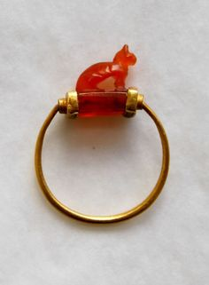 Ancient egyptian gold finger-ring. About 1070 - 712 BC.