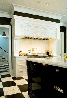 Black and White - Design Chic #HomeDecorators #Homes #Kitchen