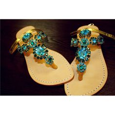 Green Sandals, Shoes Sandals, Mystique Sandals, Types Of Women, Women's Feet, Fashion Sandals, Leather Sandals, Footwear, Shoe Bag