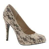 DIY Lace Heels  Old shoes, leftover lace, hot glue + scissors