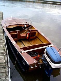 Runabout Boat, Classic Wooden Boats, Wood Carving Designs, Boat Seats, Boat Engine, Boat Projects, Vintage Boats, Old Boats, Aluminum Boat
