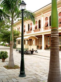 GUAYAQUIL by LuisCalderon, via Flickr