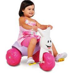 Triciclo Bandeirante Tico Tico Gatinha, uma diversão para sua filha.    O clássico da Brinquedos Bandeirante.