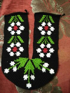 This Pin was discovered by Hac Tunisian Crochet, Crochet Stitches, Crochet Patterns, Crochet Slippers, Winter Sweaters, Christmas Stockings, Diy And Crafts, Embroidery, Knitting