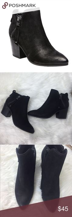 Steve Madden Black Leather Julius Ankle Boots Beautiful shoes in new condition. Feel free to ask questions! Bundle with my other great listings to save $$$ :) Steve Madden Shoes Ankle Boots & Booties
