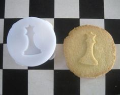 CHESS Queen COOKIE STAMP, recipe and instructions - make your own Breaking Dawn inspired cookies