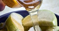 Rosh Hashanah, the Jewish New Year, is celebrated in 2011 from sundown on Sept. 28 to nightfall on Sept. The Hebrew date for Rosh Hashanah is 1 Tishr. Jewish Recipes, Greek Recipes, Health And Beauty Tips, Health Tips, Feasts Of The Lord, Rosh Hashanah, Healthy Life, Natural Remedies, Food And Drink
