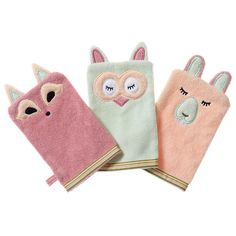 Organic cotton terry towelling (OE 100 certified). These soft bath mitts have been designed with matching Breganwood animal motifs. And they double as hand puppets to make bath time more fun. Baby bath, bath mitt, bath toy, organic, eco friendly.