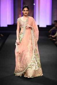 Pallavi Jaikishan Aamby Valley India Bridal Week Pallavi Jaikishan Collection, Designs, Fashion Shows, Lehengas & Sarees, Pictures and Photos on Bigindianwedding Indian Bridal Wear, Indian Wedding Outfits, Indian Wear, Indian Outfits, Indian Clothes, Wedding Attire, Wedding Gowns, Pakistani Couture, Indian Couture