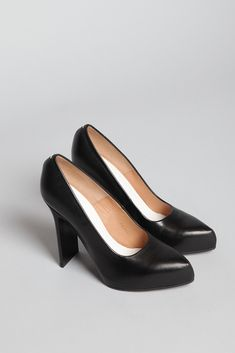 ed5deeb106290 Maison Martin Margiela Flat Heel Leather Pump...and i missed out the sale