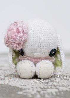 Crochet Bunny by Lue and Sue  omg how adorable