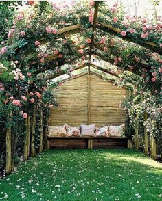 Love the flower roof, pretty, private and fragrant. With a larger lounge area