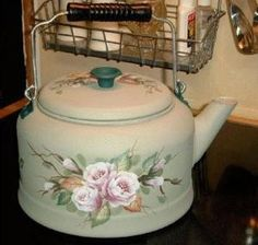 A mixer is constantly helpful for soups and the periodic healthy smoothie, and a mill will give you a lot more alternatives in your use of nuts etc. Painted Milk Cans, Painted Pots, Decoupage Art, Decoupage Vintage, Tea Art, Antique China, Tole Painting, Metallic Paint, Tea Mugs
