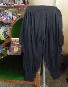 pantalon-babucha-a-la-rodilla-modal-negro-talle-medium-12822-MLA20066762201_032014-F.jpg (937×1200) / Pantalón babucha, sarouel, aladdin, harem/haren, bombacho, afgano
