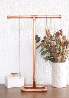 1000 ideas about jewellery stand on pinterest jewelry for Copper pipe jewelry stand