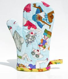 Lazy Beach ladies oven mitt,quilted oven glove,Insulated pot holder,kitchen oven mitt,Loralie tossed Lazy Beach design, handmade by fabricfundesigns on Etsy