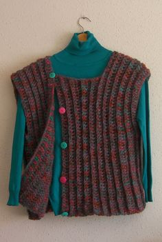 Chaleco facil crochet, My Crafts and DIY Projects Crochet Vest Pattern, Crotchet Patterns, Crochet Jacket, Crochet Cardigan, Knit Crochet, Crochet Baby Sweaters, Crochet Clothes, Crochet Winter, Tapestry Crochet