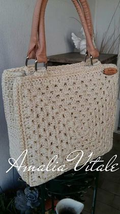 Crochet Handbags, Crochet Purses, Purse Patterns, Crochet Patterns, Granny Square Bag, Bag Pattern Free, Handmade Bags, Beautiful Bags, Easy Crochet