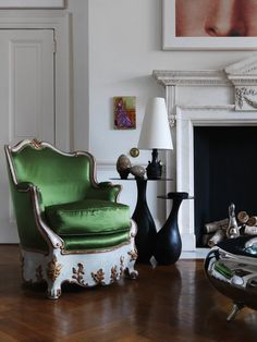 Art Filled Home designed by Top Interior Designer Francis Sultana | See more at http://www.bocadolobo.com/en/inspiration-and-ideas/art-filled-home-designed-interior-designer-francis-sultana/