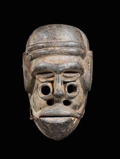 African & Oceanic Art Auctions - Auction Items IBIBIO MASKE Nigeria. H 28 cm.