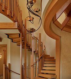 schwebende treppe ideen holz ausstattung kurven traditionelles design