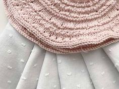 Canesu Redondo Rosa :: miloti y punto Baby Knitting Patterns, Knitting For Kids, Bind Off, Baby Sweaters, Crochet Hats, Stitch, Crafts, Fashion, Baby Boy Fashion