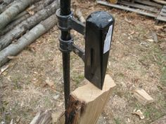 Build Your Own Log Splitter   90 ( permalink ) (SELF SUFFICIENCY IS THE NAME OF THE GAME HERE.AND IN THE ZEN TRADITION-CHOP WOOD,CARRY WATER...DB. 01/27/2015)