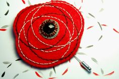 Embroidered red felt brooch with black button  por loopicraft, $18,00