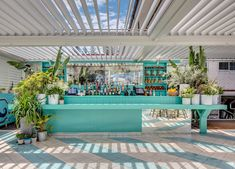 Plants cascading down bar front - Watsons Bay Boutique Hotel, Sydney Pool Bar, Surf Shack, Beach Shack, Beach Hotels, Beach Resorts, Cafe Restaurant, Beach Restaurant Design, Strand Design, Khao Lak Beach