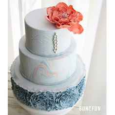 Amazing fondant wedding cake