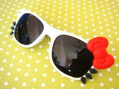 hello kitty sunglasses!