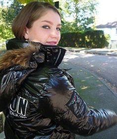 76 vind-ik-leuks, 9 reacties - I Love Puffy Jackets (@puffy.jacket.fetish) op Instagram: 'Very sexy jacket'