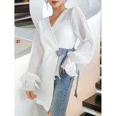 Look Fashion, Hijab Fashion, Fashion Dresses, Womens Fashion, Fashion Trends, Fashion Shirts, Aesthetic Fashion, Cheap Fashion, Fashion Spring