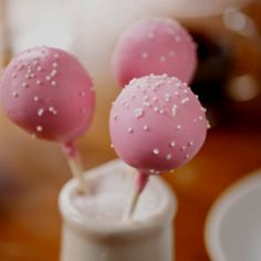 Starbucks cake pops - Hadley's favorite treat. Thinking of making/buying these for her next birthday party.