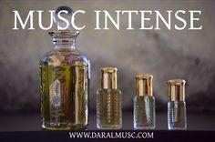 Le Musc Intense est un parfum légèrement boisé et raffiné qui ressemble a l'eau de parfum «Intense» de Dior. Le coeur d'iris, signature de la ligne, est sublimé par les accents subtilement musqués de la graine d'hibiscus, tandis que le cèdre de Virginie et le vétiver forment un accord de bois précieux, masculin et raffiné. […]