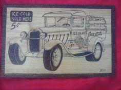 Vintage Coca-cola pirografado em pinho