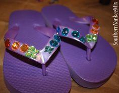 Fancy Flip Flops with Jems Jewels Flip Flop Craft, Kids Flip Flops, Flip Flop Shoes, Cheer Sister Gifts, Preschool Crafts, Crafts For Kids, Decorating Flip Flops, Cinderella Birthday, Spa Party