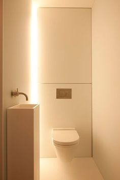 VOLA Taps for bathroom aseo Govaert and Vanhoutte Guest Toilet, Small Toilet, Small Downstairs Toilet, Bad Inspiration, Bathroom Inspiration, Bathroom Ideas, Minimalist Bathroom, Modern Bathroom, White Bathrooms