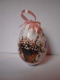 easter egg - decoupage, handmade by Joanna